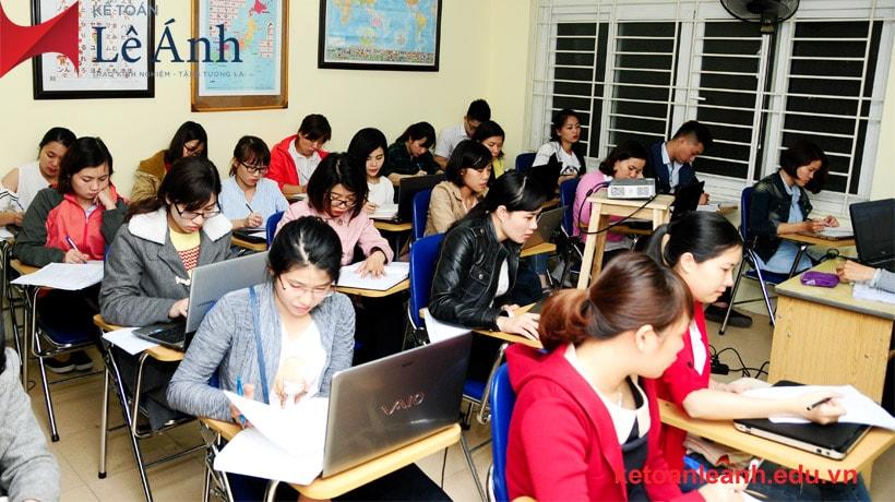 trung tâm học kế toán thực hành uy tín
